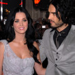 "Katy Perry and Russell Brand  at ""The Tempest"" Los Angeles Premiere, El Cap — Stock Photo"