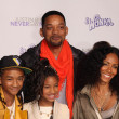 Постер, плакат: Will Smith Jada Pinkett Smith Jaden Smith and Willow Smith