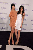 """Kendall Jenner and Kylie Jenner at the """"Justin Bieber: Never Say Never"""" Lo — Zdjęcie stockowe"""
