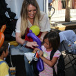 Hilary Duff at Skid Row Block Party at Los Angeles Mission, Los An — Stock Photo #14144639