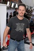 """Kevin Dillon at the World Premiere Of """"IRIS"""" by Cirque Du Soleil, Kodak Th — Stock Photo"""