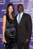 """Kimora Lee and husband Djimon Hounsou at the 19th Annual """"A Night At Sardi's"""" Fundraiser and Awards Dinner Benefiting The Alzheimer's Association, Beverly Hilton Hotel, Beverly Hills, CA. 03-16-11 — Stock Photo"""