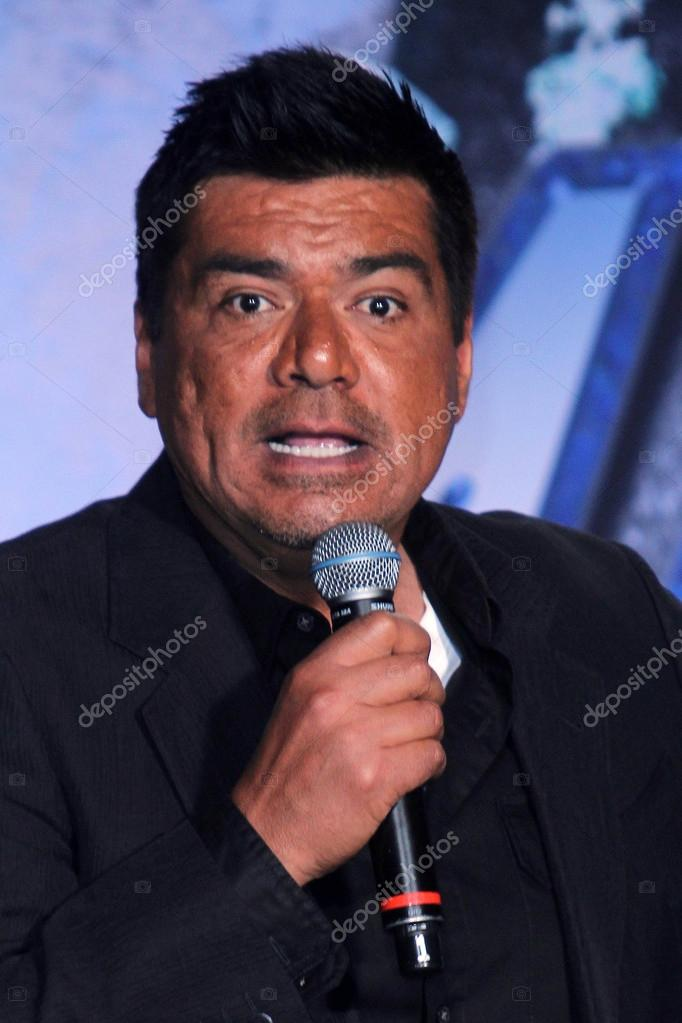 George lopez en el beso & motley crue Conferencia de prensa, roosevelt hotel, hollywood, ca 20/03/12 — Foto de s_bukley - depositphotos_14356795-George-Lopez-at-the-KISS--Motley-Crue-Press-Conference-Roosevelt-Hotel-Hollywood-CA-03-20-12