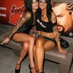 ������, ������: Veronica Gomez and Shannon Sin