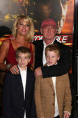 Tony Scott and family — Stock Photo