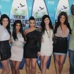 Kendall Jenner, Kourtney Kardashian, Kim Kardashian, Kylie Jenner, Khloe Kardashian, Lamar Odom — Stock Photo