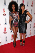 Kelly rowland e letoya luckett no es 20º aniversário bash celebrando duas décadas de cultura pop, a londres, west hollywood, ca. 24/05/10 — Foto Stock