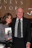 Kate Linder and Jerry Weintraub at a celebration of Jerry Weintraubs New Book When I Stop Talking Youll Know Im Dead, Barneys New York, Beverly Hills, CA. 05-18-10 — Stock Photo