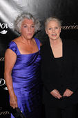 Tyne Daly and Sharon Gless — Stock Photo