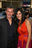Adam Shankman and sister at the Going The Distance Los Angeles Premiere, Chinese Theater, Hollywood, CA. 08-23-10 — Stock Photo