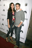 Odette Yustman and Dave Annable — Stock Photo