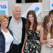 "Barry Bostwick and familyat the ""Oceans"" Los Angeles Premiere, El Capitan Theatre, Hollywood, CA. 04-17-10 - Stockfoto"