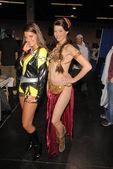 Bridgetta Tomarchio and costumed attendee — Stock Photo