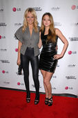 Malin Akerman and Devon Aoki — Stock Photo