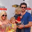 Постер, плакат: Tori Spelling and Dean McDermott