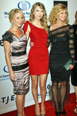 Christina Applegate, Taylor Swift, and Faith Hill — Stock Photo