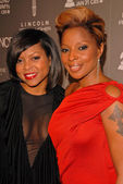 Taraji P. Henson and Mary J. Blige at the ESSENCE Black Women in Music celebration honoring Mary J. Blige, Sunset Tower Hotel, West Hollywood, CA. 01-27-10 — Stock Photo