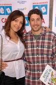 Jason Biggs and wife Jenny Mollen — Stock Photo