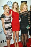Christina Applegate, Taylor Swift, and Faith Hill — Stock Photo