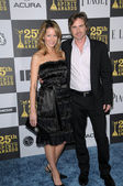 Sam Trammell with wife — Stock Photo