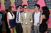Kevin Jonas, Danielle Deleasa, Demi Lovato, Joe Jonas and Nick Jonasat the Nickelodeon — Stock Photo