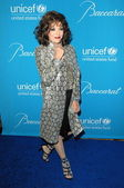 Joan Collins at the 2009 UNICEF Ball Honoring Jerry Weintraub, Beverly Wilshire Hotel, Beverly Hills, CA. 12-10-09 — Zdjęcie stockowe