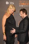 Jenna Elfman and Bodhi Elfman — Foto de Stock