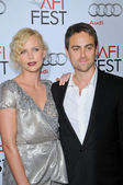 Charlize Theron and Stuart Townsend — Stock Photo