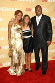 "Holly Robinson Peete, Rodney Peete and childrenat the ""CNN Heroes: An All-Star Tribute,"" Kodak Theater, Hollywood, CA. 11-21-09 — Stock Photo"