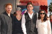 Scott Grimes, Linda Cardellini, John Stamos and Parminder Nagra — Stock Photo