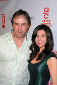 """Kevin Nealon and wife at the Book Launch Party for """"Chelsea Chelsea Bang Bang"""" by Chelsea Handler, Bar 210, Beverly Hills, CA. 03-17-10 — Foto de Stock"""