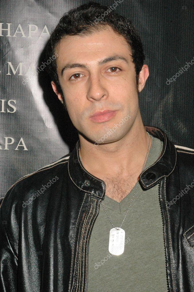 Rodrigo rojas en el estreno de 'bobby fischer vivir', fairfax cinemas, west hollywood, ca 10/11/09 — Foto de s_bukley - depositphotos_15054339-Rodrigo-Rojas