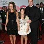 ������, ������: John Travolta wife Kelly Preston and daughter Ella Bleu Travolta