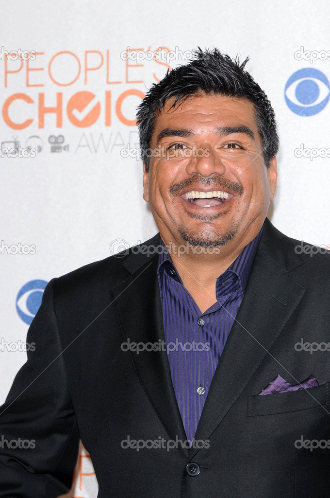 George Lopez at the Press Room for the 2010's Choice Awards, Nokia Theater L.A. Live, Los Angeles, CA. 01-06-10 — Foto de s_bukley - depositphotos_15060997-George-Lopez