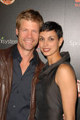 Joel Gretsch and Morena Baccarin — Stock Photo