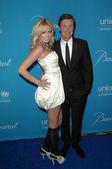 Wayne Gretzky and daughter Paulina — Stock Photo