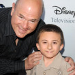 Larry Miller and Atticus Shaffer — Stock Photo