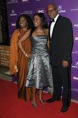 LaTanya Richardson with Samuel L. Jackson and daughter — Stock Photo