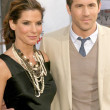 Sandra Bullock and Ryan Reynolds — Stock Photo