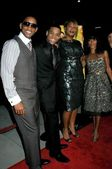 Will Smith and Tristan Wilds with Queen Latifah and Jada Pinkett Smith — Stock Photo