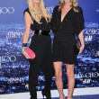 Paris Hilton and Nicky Hilton — Stock Photo #15115881