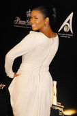 Gabrielle Union at the 2009 Rodeo Drive Walk of Style Award Gala. Rodeo Drive, Beverly Hills, CA. 10-22-09 — Stock Photo