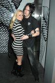 Katie lohmann i adam czarny w bash urodziny dla katie lohmann. s bar, hollywood, ca. 01--27 09 — Zdjęcie stockowe