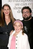 Jennifer Schwalbach Smith with Kevin Smith and daughter — Stock Photo