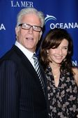 Ted Danson and Mary Steenburgen — ストック写真