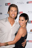 Eric winter e roselyn sanchez — Fotografia Stock