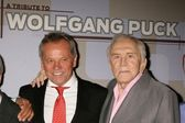 Wolfgang Puck and Kirk Douglas — Stock Photo