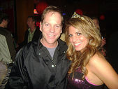 Keifer Sutherland and Bridgetta Tomarchio at Bridgetta Tomarchio B-Day Bash and Babes in Toyland Toy Drive, Lucky Strike, Hollywood, CA. 12-04-09 — Stock Photo