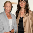 Постер, плакат: Vanessa Redgrave and Saffron Burrows