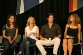 Grace Park and Kate Vernon with Michael Trucco and Luciana Carro — Stock Photo